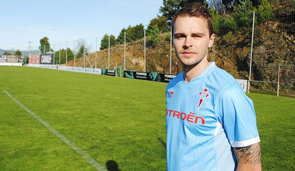 Demidov presentado como nuevo jugador del Celta. Foto: www.celtavigo.net