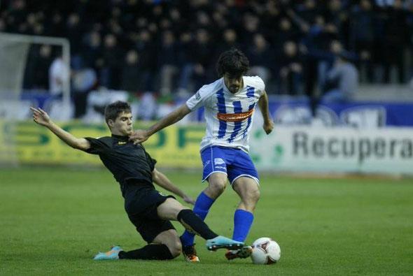 Manu García marcó el primer gol del Alavés ante el Racing B. Foto: El Correo.