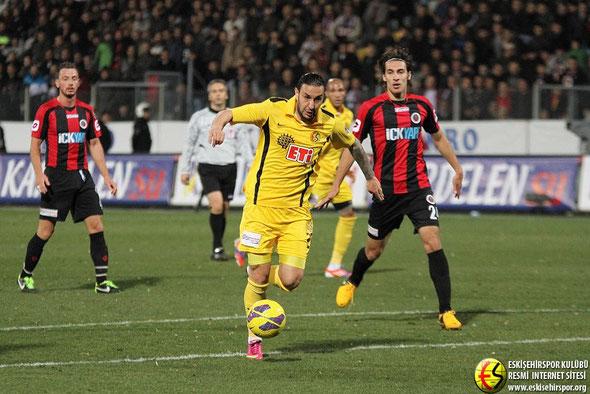 Necati convirtió su 11º gol en Liga con el Eskişehirspor.