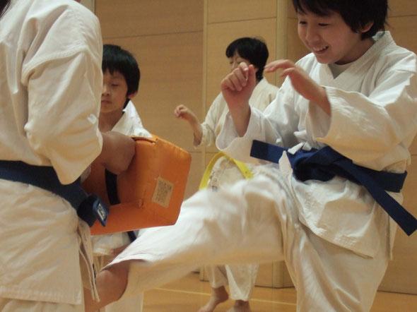 子ども空手 × 杉並区上井草スポーツセンター