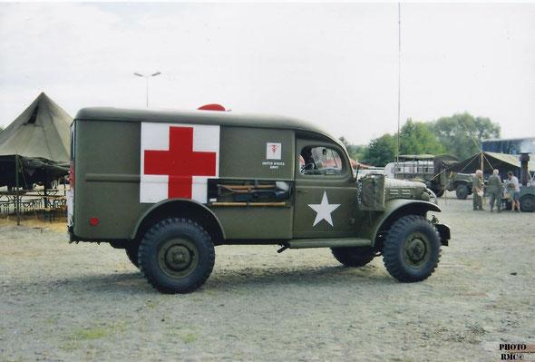 Dodge WC 54 Ambulance pour 4 blessés couchés ou 6 assis  et 2 personnes à l'avant