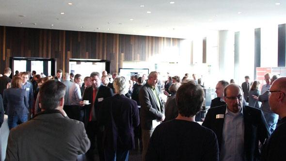 Mehr als 250 Teilnehmer nutzen die 5. Hamburger Energie- und Umwelttagung zum Netzwerken | Foto: greenIMMO