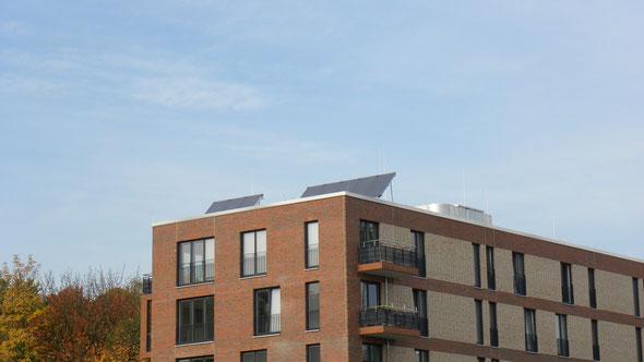 Wie gelingt ein zeitgemäßer Wohnungsbau und gleichzeitig die Energiewende? | © greenIMMO