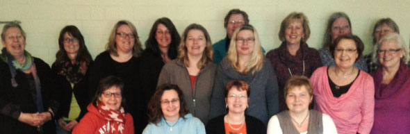 Alle 16 Teilnehmerinnen des letzten Kurses im Frühjahr 2014 in Kutenholz