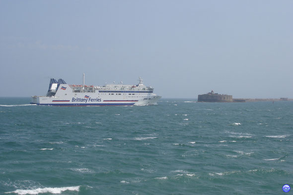 Barfleur. Le plus illustre navire du port de Cherbourg (© lebateaublog 2013)