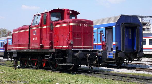 OSE A 114 als Bahnhofsrangierlok im Einsatz, Thessaloniki (2.4. 2007)