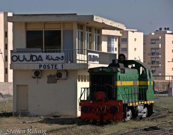 DI 503 von General Motors als Bahnhofsrangierlok in OUJDA (18.4. 2014)