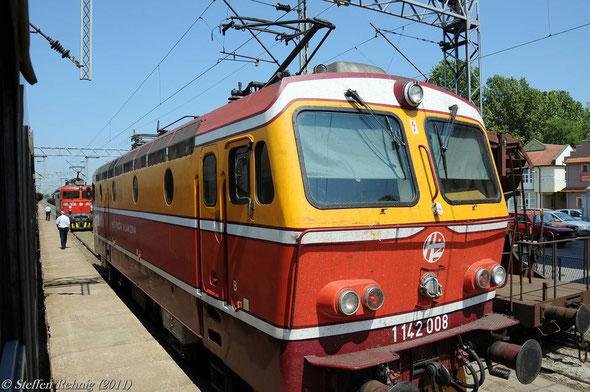 1142 008 in Šid Serbien (17. Juli 2011)