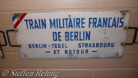 Militärzug - Db 1040/1041 Berlin-Tegel - Marienborn - Helmstedt - Kehl - Strasbourg - Nancy - Paris-Est. Zug des französischen Militärtransportchors TMFB (ca.1990)