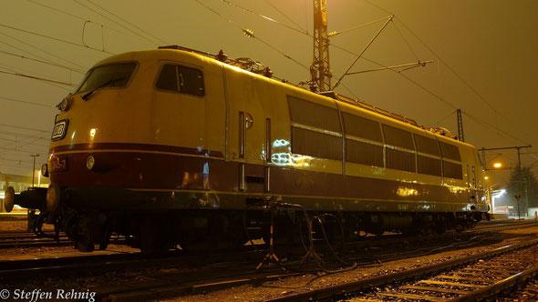 103 245-7 abgestellt in Nürnberg Hbf (5. Dezember 2013)