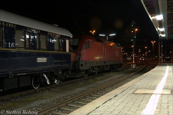 """""""Ausfahrt Frei"""" für den Orient Express in Würzburg Hbf"""