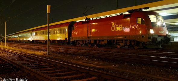 EN 491 / 421 Hamburg Altona / Köln - Wien Westbahnhof in Nürnberg Hbf mit +130 (29.9. 2014)