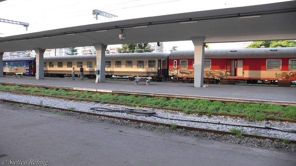 Zug 604 Athina-Dikea in Thessaloniki (10. Juni 2007)