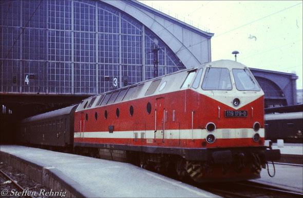 BR 119 179-0 vom Bw Probstzella am E 807 Leipzig - Gera - Saalfeld in Leipzig Hbf (1985)
