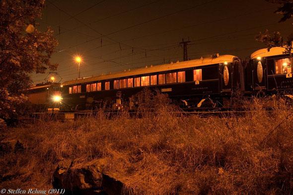 Ansetzen der neuen Zuglok 110 493-4 ....