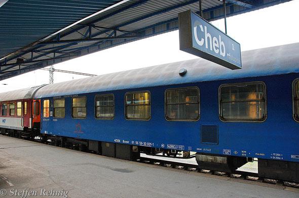 """Liegewagen Bceer 61 56 59-30 00 -1 am R 441 """"EXCELSIOR"""" in Cheb (17.10. 2014)"""