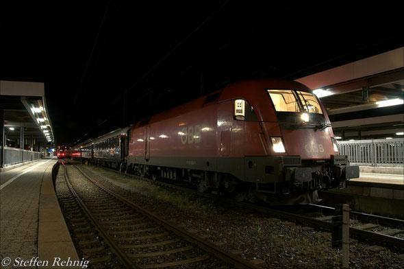 """Zuglok des DZ 13460 """"VSOE"""" ist die ÖBB 1116 155-1"""