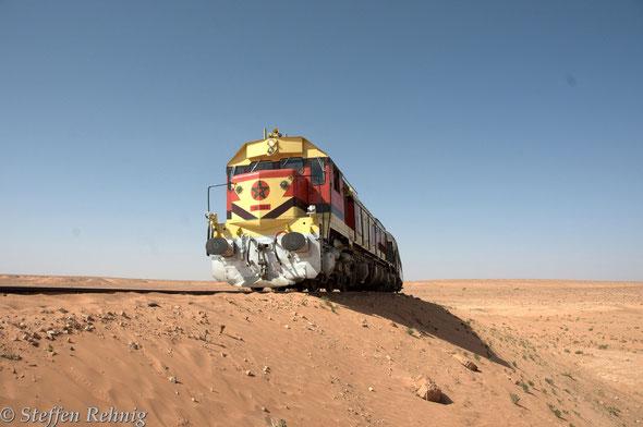.... ein Zwangshalt wegen Sandverwehung in der Wüste ....
