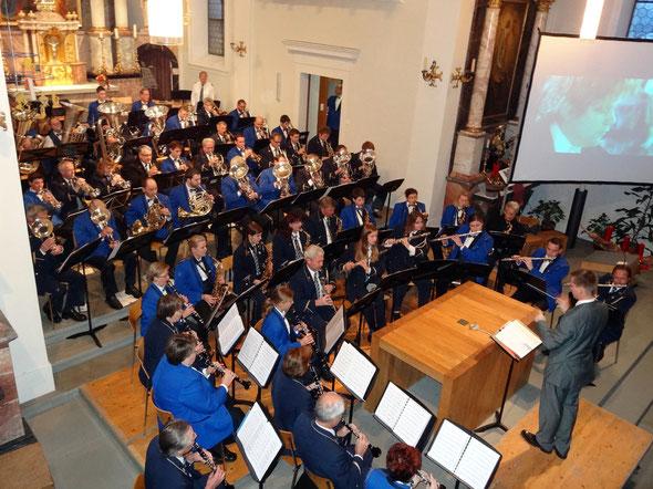Die beiden Musikverein am 9. Dezember in der Kirche Vitznau