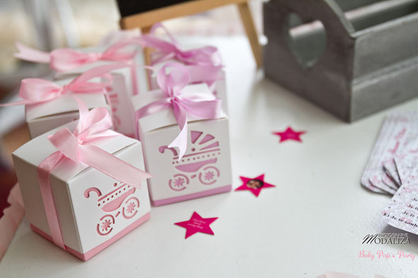 baby shower décoration organisation liberty fille femme enceinte rose fleurs blanc petit pois ballons guirlande photobooth girl bébé cupcakes bordeaux paris toulouse pays basque ballotins dragées