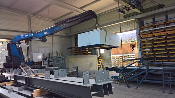 KNICKARM-SYSTEM für Arbeiten in  engen Räumen oder durch Öffnungen hindurch z.B. versetzen von Maschinen.