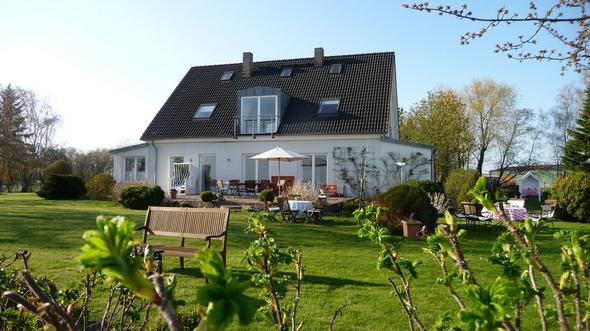 Altes Bauernhaus Ferienwohnung für Familienurlaub auf Ummanz/Ruegen