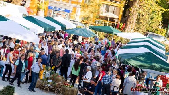 Kunsthandwerkstatt Steirerkissen auf dem Vulkanlandmarkt in Bad Gleichenberg
