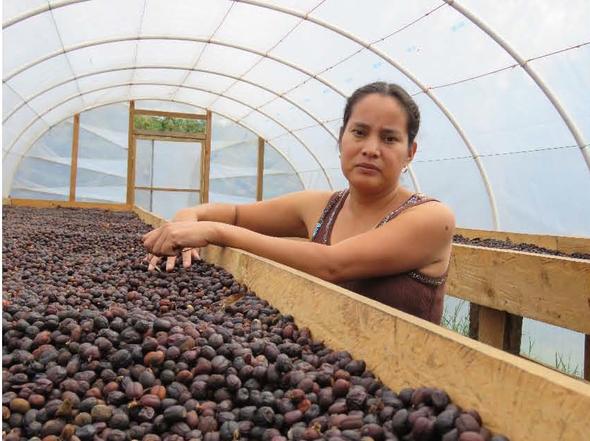 Esther Chávez, produziert auch Natural