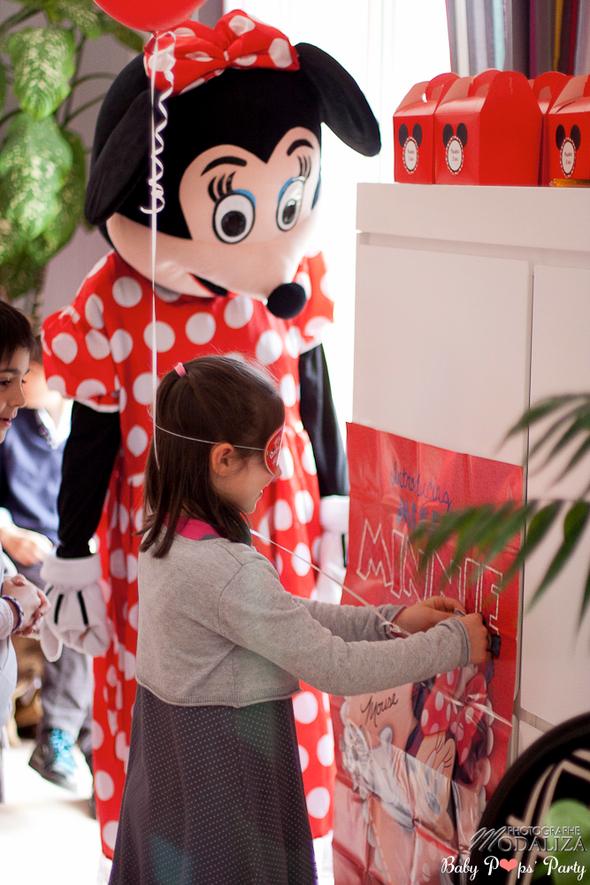 anniversaire enfant minnie mickey thème idée organisation décoration rouge noir blanc sweet table cakedesign disney