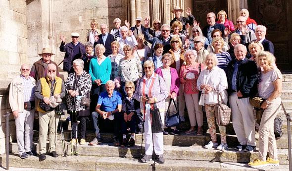 Die Gruppe des GHV auf den Stufen des Regensburger Doms. Fotos: Werner Echle