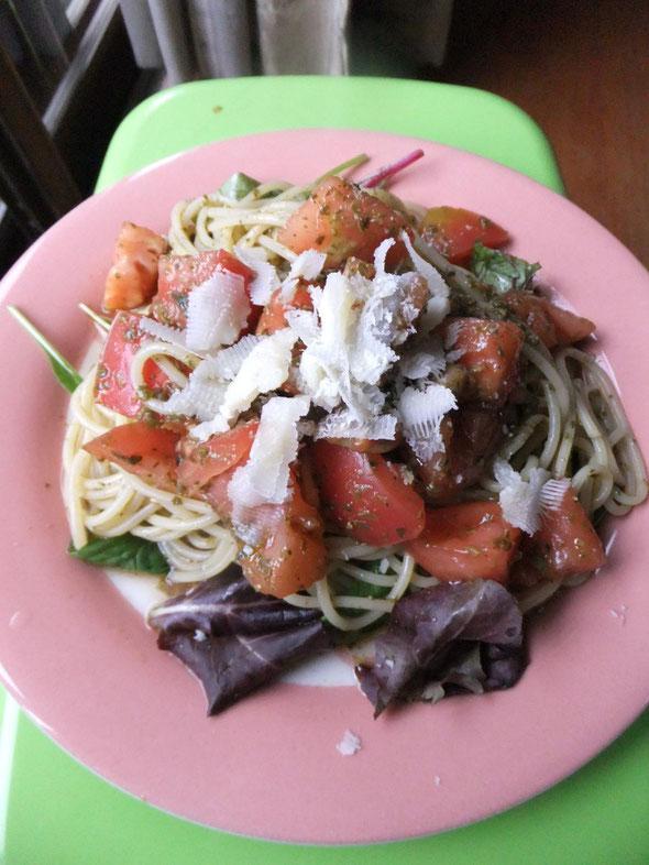 完熟トマトの冷たいジュノベーゼパスタ