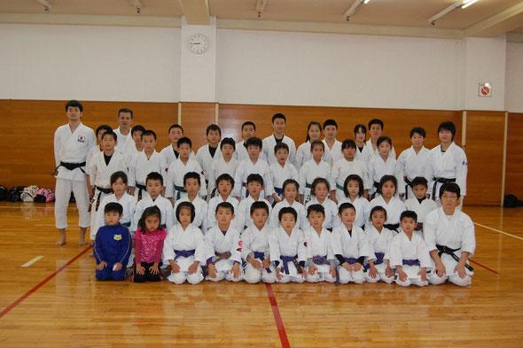 佐倉道場 左端は清水良介指導員(元ナショナルチーム選手)