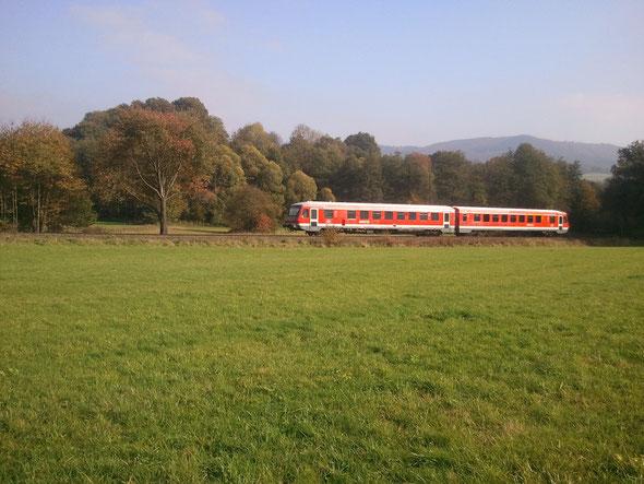Die ALTE BUX liegt an der Bahnlinie zwischen Weinheim und Fürth. Zotzenbach hat eine eigene Bahnstation.