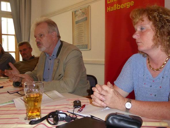 MdB Harald Weinberg, Die Linke (Bildmitte) zu Gast beim Linken Bündnis Haßberge in Haßfurt.