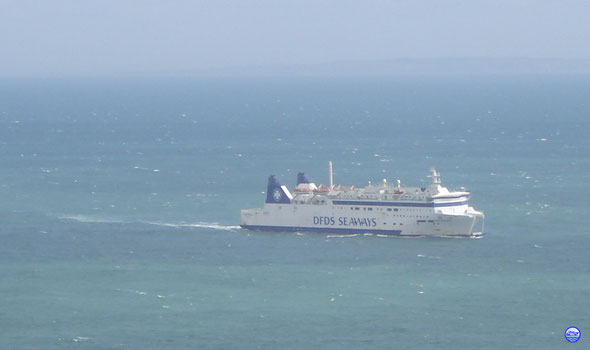 Deal Seaways vu des White Ciffs of Dover (© lebateaublog 2012)