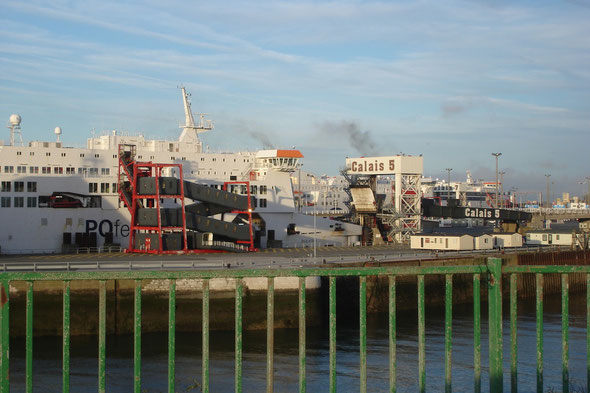 Pride of Kent, Seafrance Berlioz & Spirit of Britain (© lebateaublog 2011)