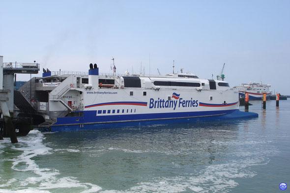 Normandie Express et Norman Voyager au Havre (© lebateaublog 2013)
