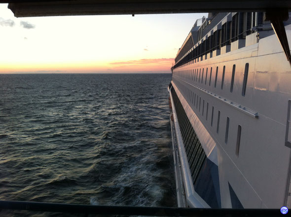 Silja Europa avec soleil couchant à tribord (© lebateaublog.DC 2013)