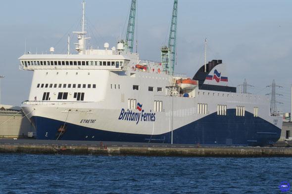Etretat bientôt prêt à prendre son service en Brittany Ferries économie (© lebateaublog 2014)