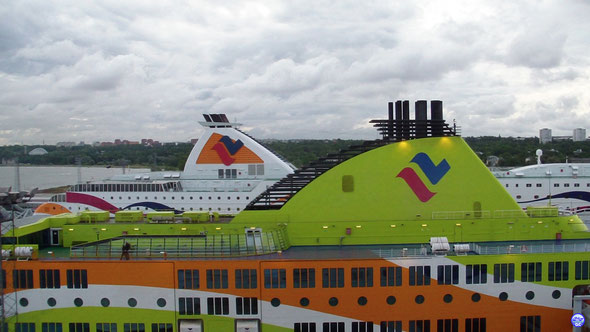 Baltic Queen & Superstar à Tallinn vus du pont 13 de Silja Europa. (© lebateaublog.DC 2013)