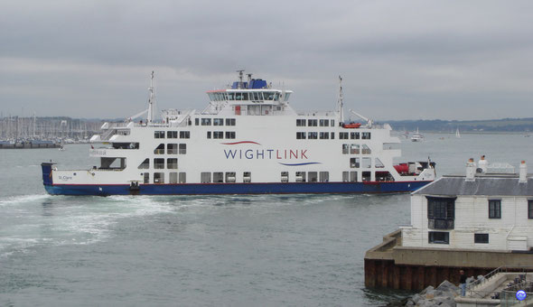 St Clare approchant du Wight Ferries Terminal à Portsmouth (© lebateaublog 2012)