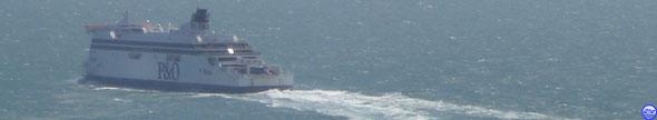 Spirit of France toutes bulles dehors sous les blanches falaises de Douvres (© lebateaublog 2012)