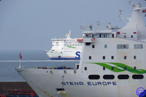 Galicia en escale du lundi à Cherbourg (© lebateaublog 2021)