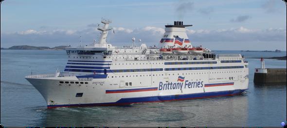 Arrivée du Bretagne à Saint Malo (© lebateaublog 2012)