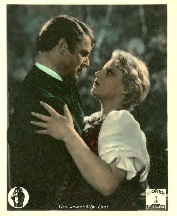 """Beispiel eines handkolorierten Transparentes, Format ca. 24 x 30 cm """"Das unsterbliche Lied"""" Deutschland 1934"""