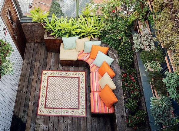 Terraza con suculentas