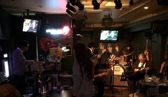 千葉県にあるMusic Bar「エイトビート」の店内の様子