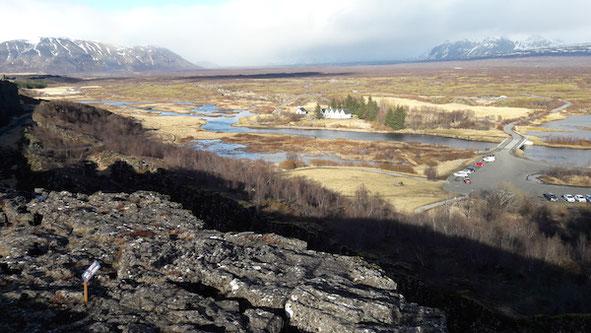 Isländische Tundra im April