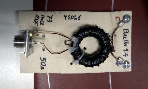 Balun 1:4 su toroide T200.6 avvolgimenti con filo di rame smaltato 1mm di IW2MXE per antenna CobWebb
