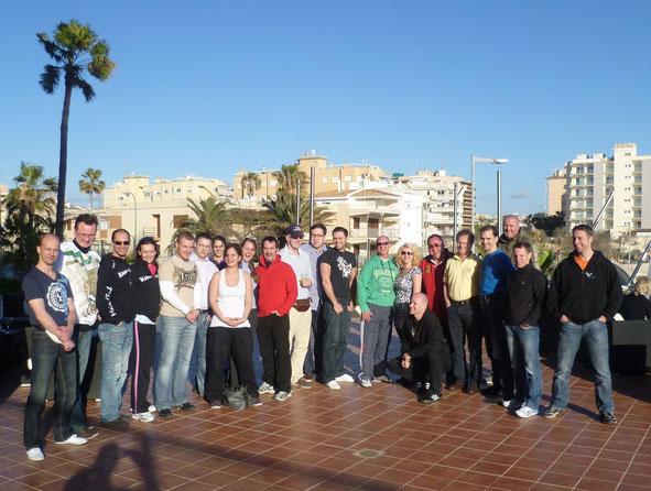 Sonne strahlt, Gruppe auch: Trainer-Seminarwochenende auf Mallorca 2011